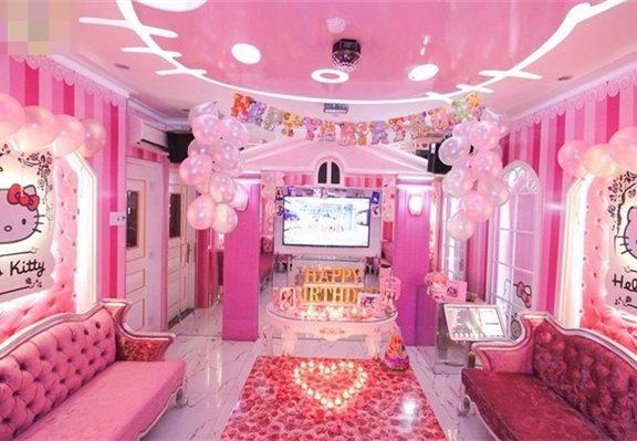 """Thiết kế nội thất phòng karaoke theo phong cách đáng yêu -""""Hello Kitty"""""""