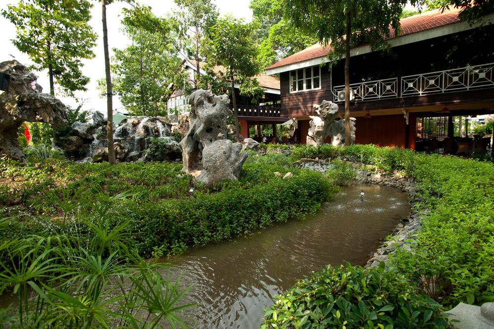thiết kế quán cafe vườn đá
