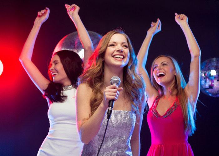khi hát karaoke có tiếng hú rít xử lý thế nào