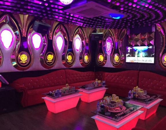 mẫu bàn kính karaoke đẹp