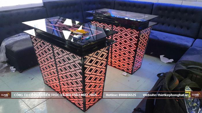 mẫu bàn kính phòng hát karaoke đẹp11