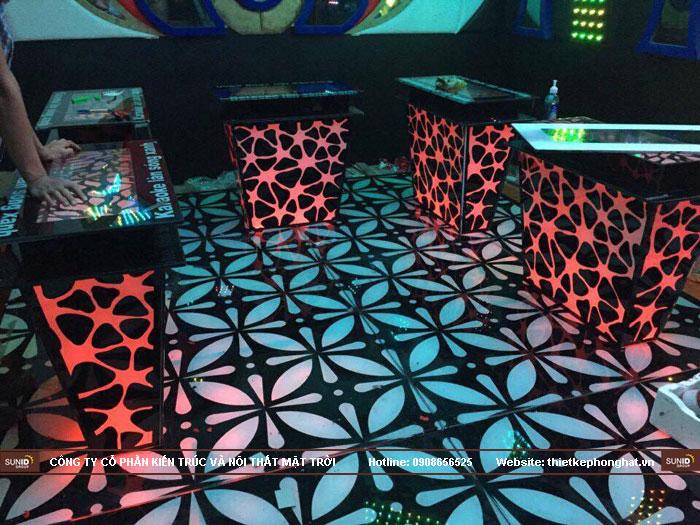 mẫu bàn kính phòng hát karaoke đẹp17