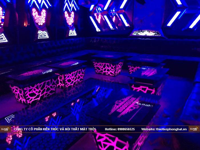mẫu bàn kính phòng hát karaoke đẹp3