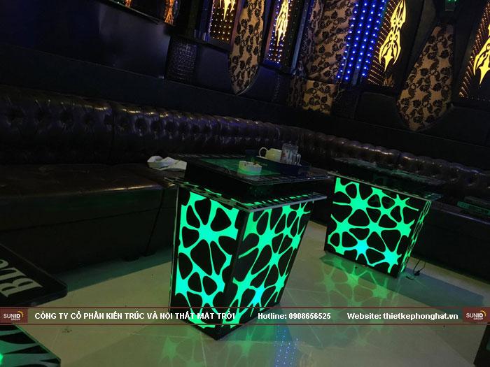 mẫu bàn kính phòng hát karaoke đẹp4