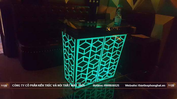 mẫu bàn kính phòng hát karaoke đẹp5