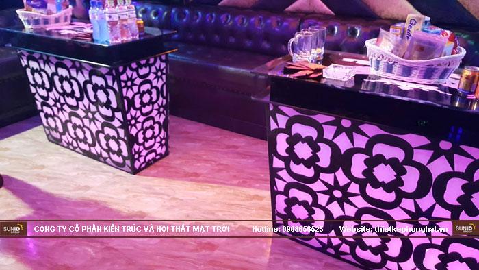mẫu bàn kính phòng hát karaoke đẹp6