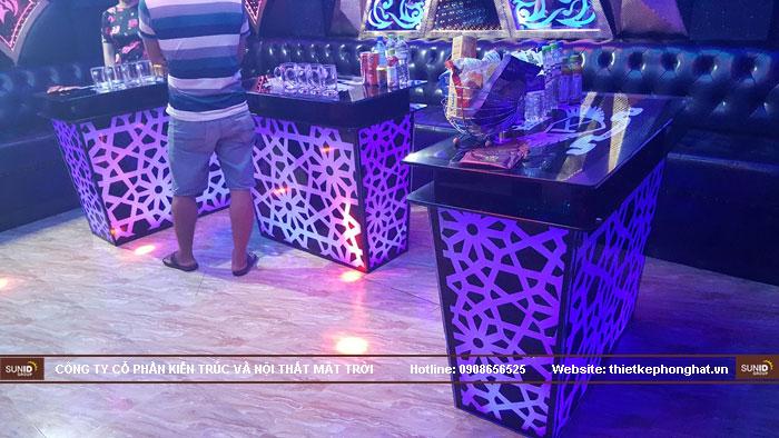 mẫu bàn kính phòng hát karaoke đẹp7