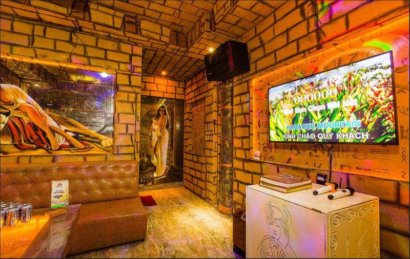thiết kế phòng karaoke chủ đề ai cập1