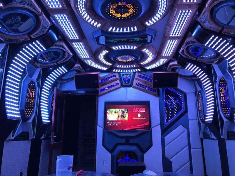 thiết kế phòng karaoke không gian1