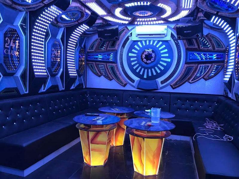 thiết kế phòng karaoke không gian2