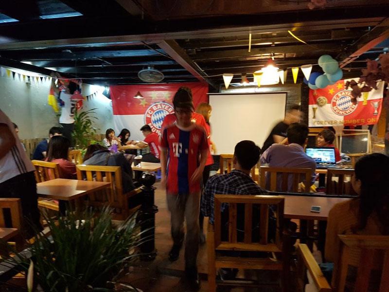 thiết kế quán cafe bóng đá2