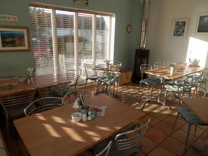 phong cách cafe coastal