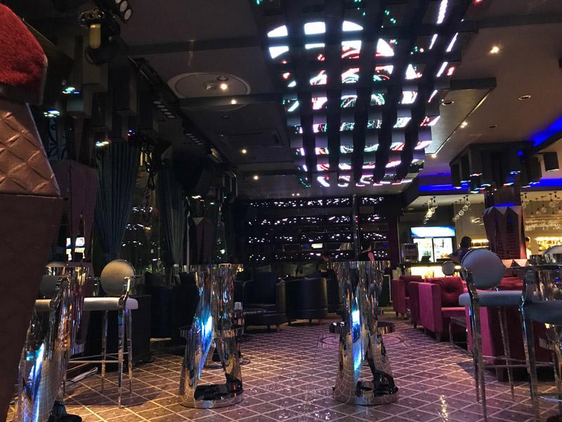 Làm quán bar kết hợp karaoke ảnh 14