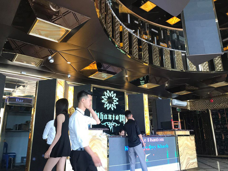 Làm quán bar kết hợp karaoke ảnh 2