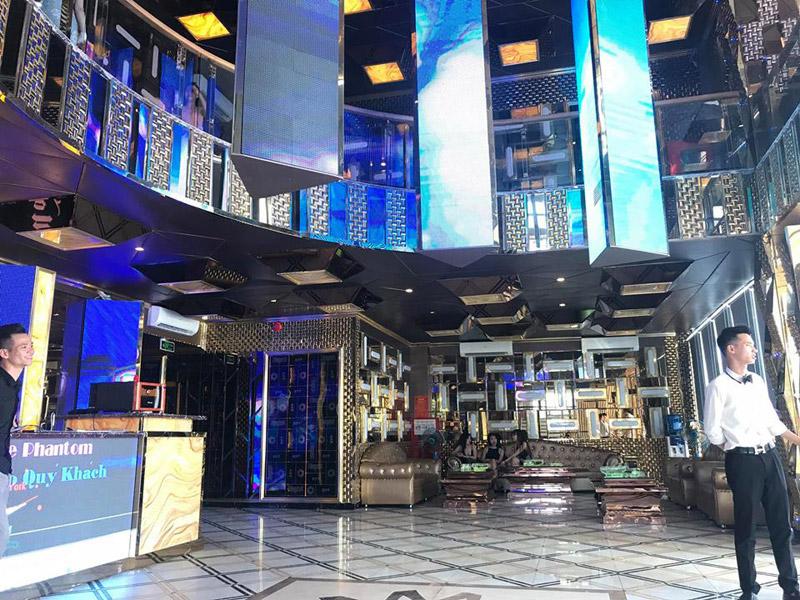 Làm quán bar kết hợp karaoke ảnh 3
