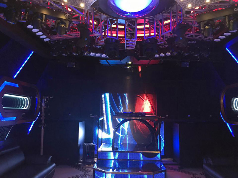 Làm quán bar kết hợp karaoke ảnh 5