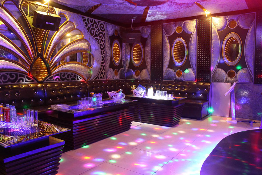 phòng karaoke khách sạn phong cách hiện đại