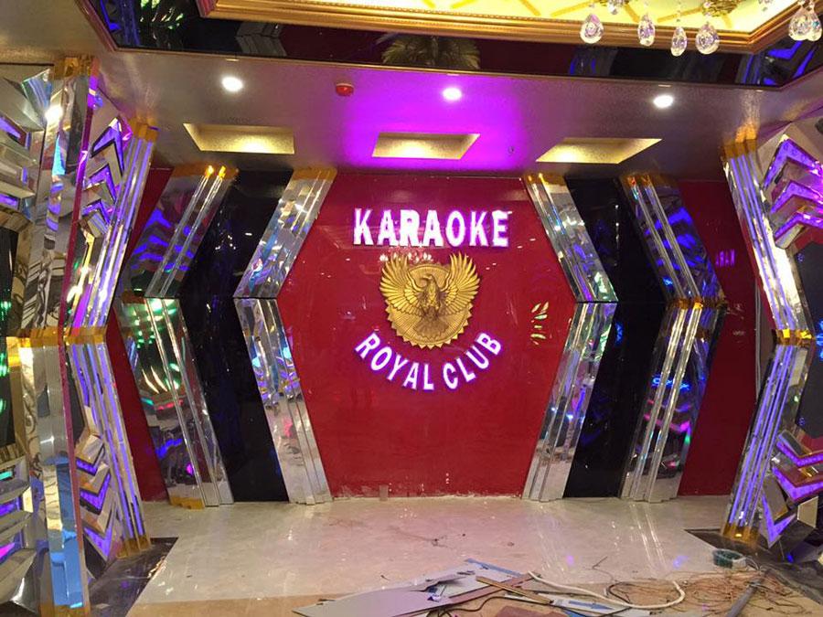 rủi ro khi chọn thi công phòng karaoke giá rẻ 1