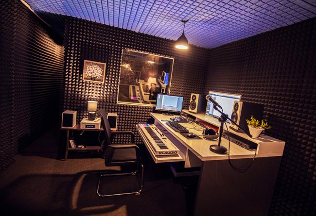 Không gian phòng thu âm chuyên nghiệp