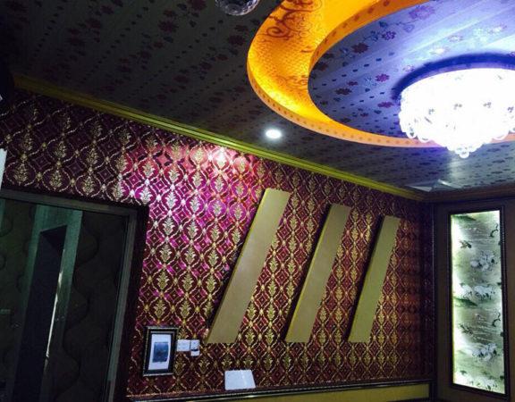 trang trí phòng karaoke đẹp bằng giấy dán tường